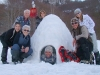 vacances-famille-hiver-igloo