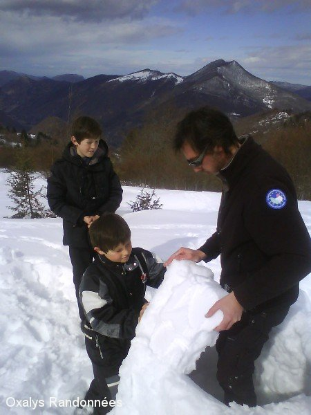 week-end raquettes et igloo-famille